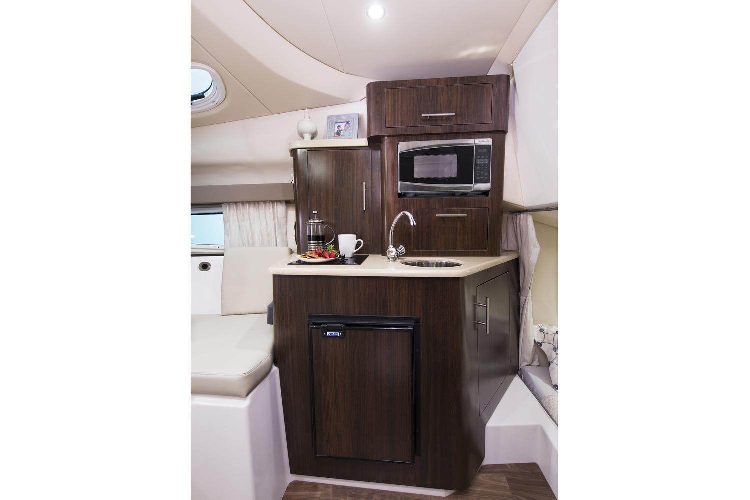 2019 Regal 28 Express in Bridgeport, New York - Photo 14