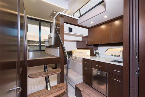 2019 Regal 42 Grande Coupe in Bridgeport, New York - Photo 14