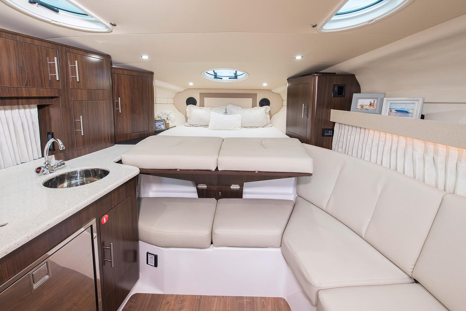 2019 Regal 33 XO in Bridgeport, New York - Photo 15