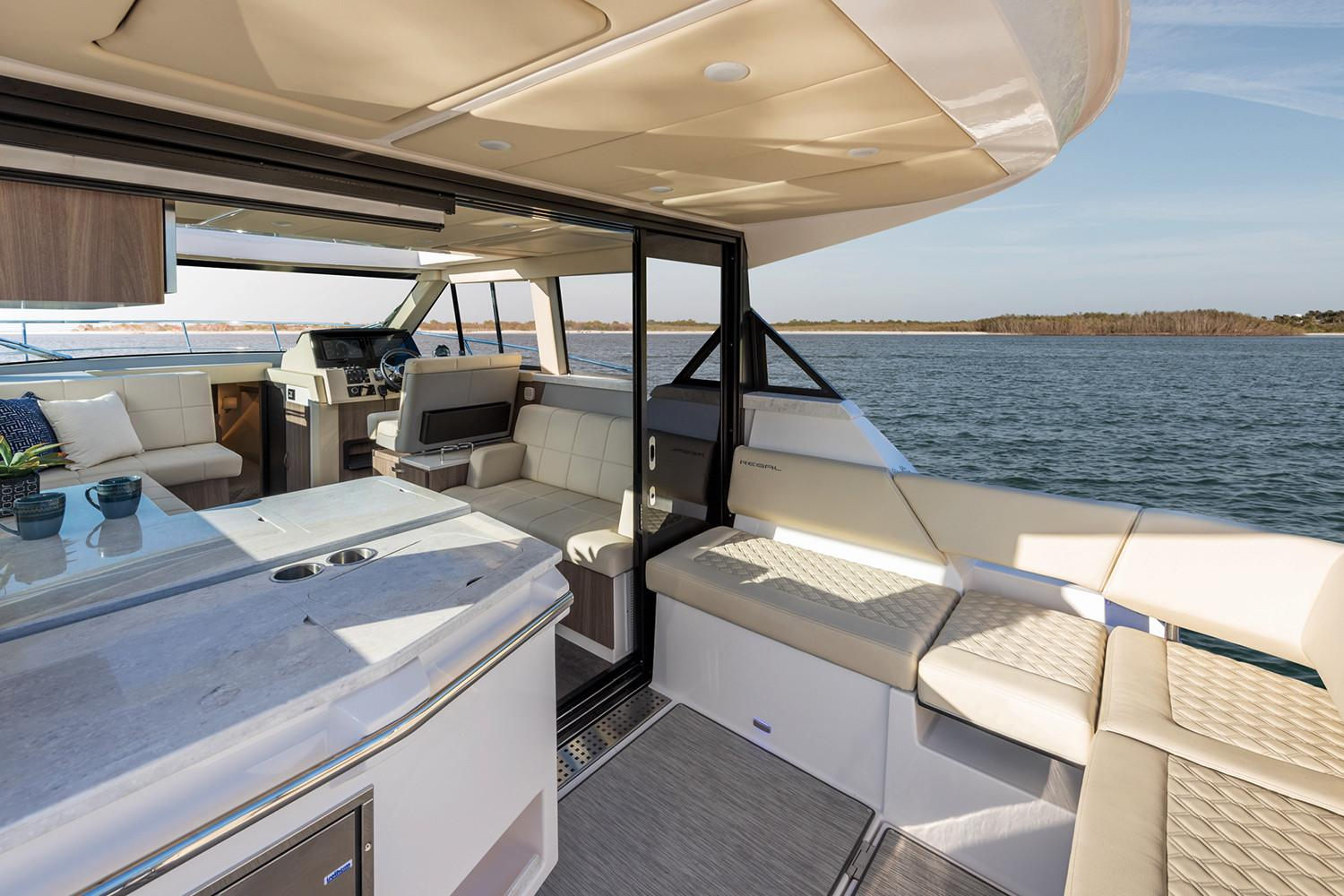 2019 Regal 38 XO in Bridgeport, New York - Photo 11