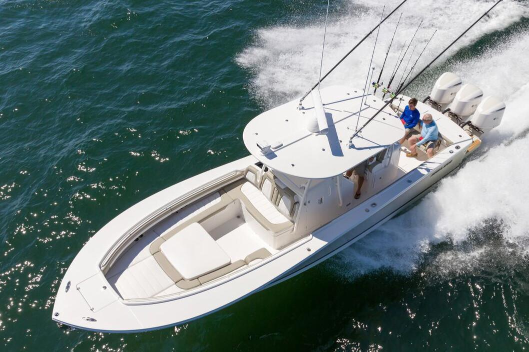 2019 Regulator 34SS in Holiday, Florida