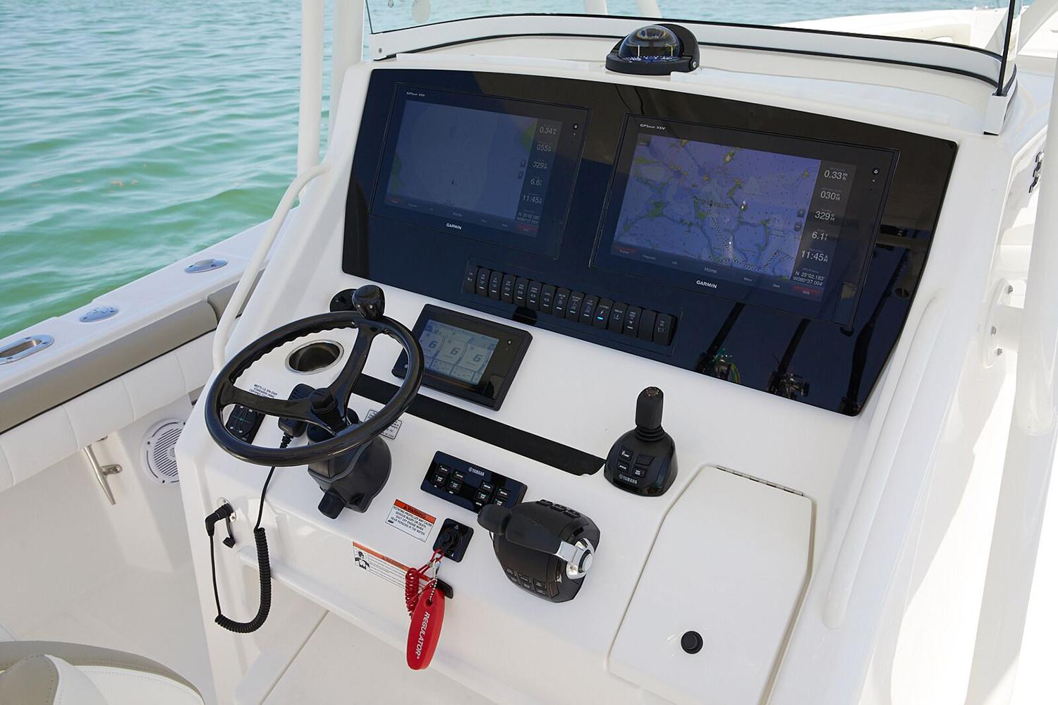 2019 Regulator 34SS in Holiday, Florida - Photo 11