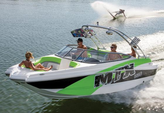 2016 Rinker Captiva 220 MTX in Lewisville, Texas