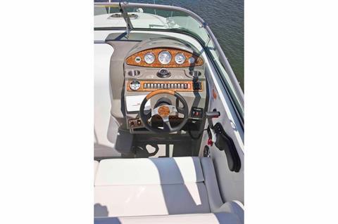 2016 Rinker 260 Express Cruiser in Memphis, Tennessee