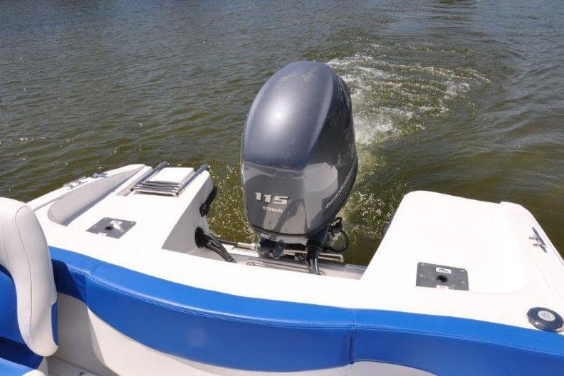 2017 Rinker QX18 BR OB in Lewisville, Texas