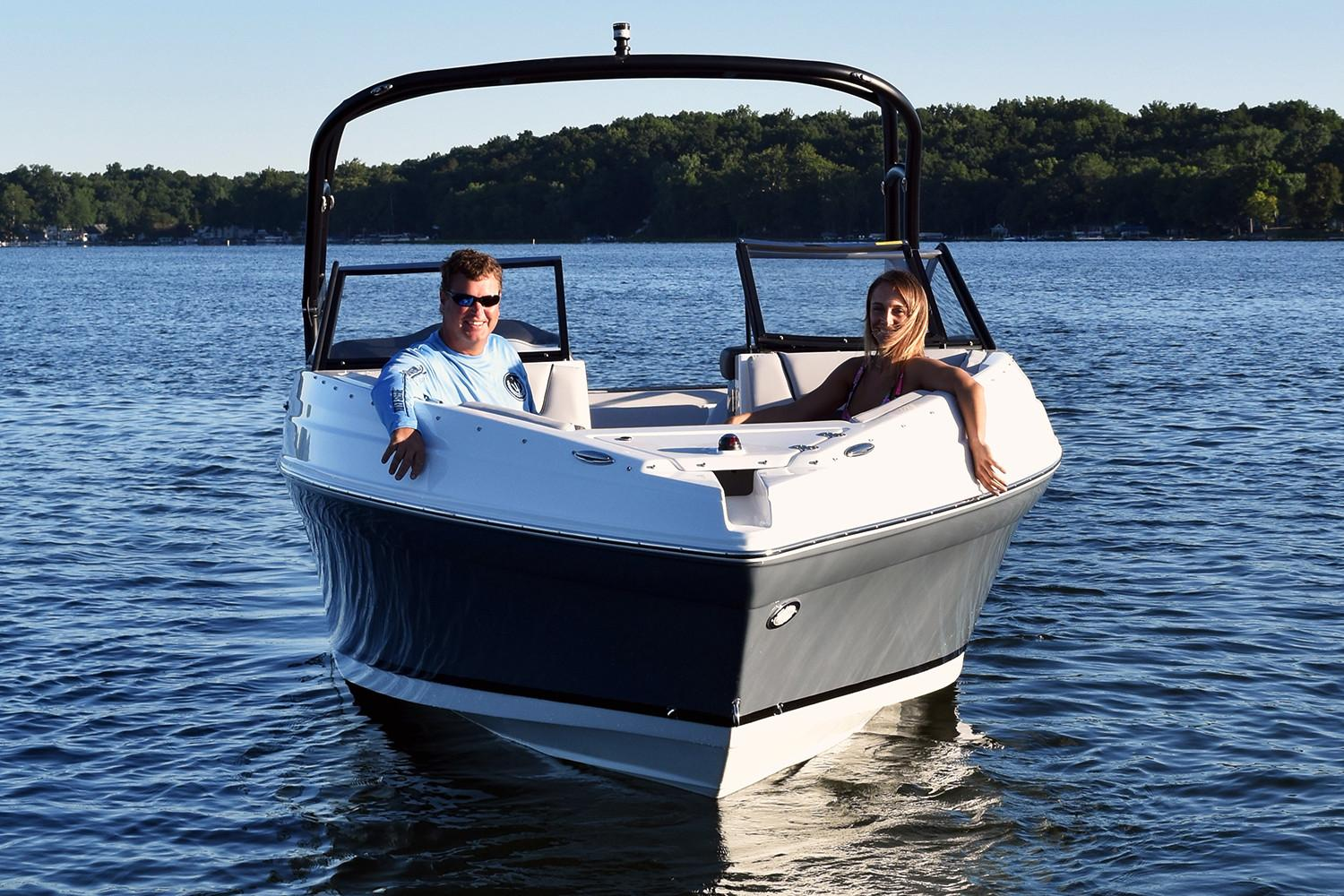 2019 Rinker Q5 BR in Lewisville, Texas - Photo 4
