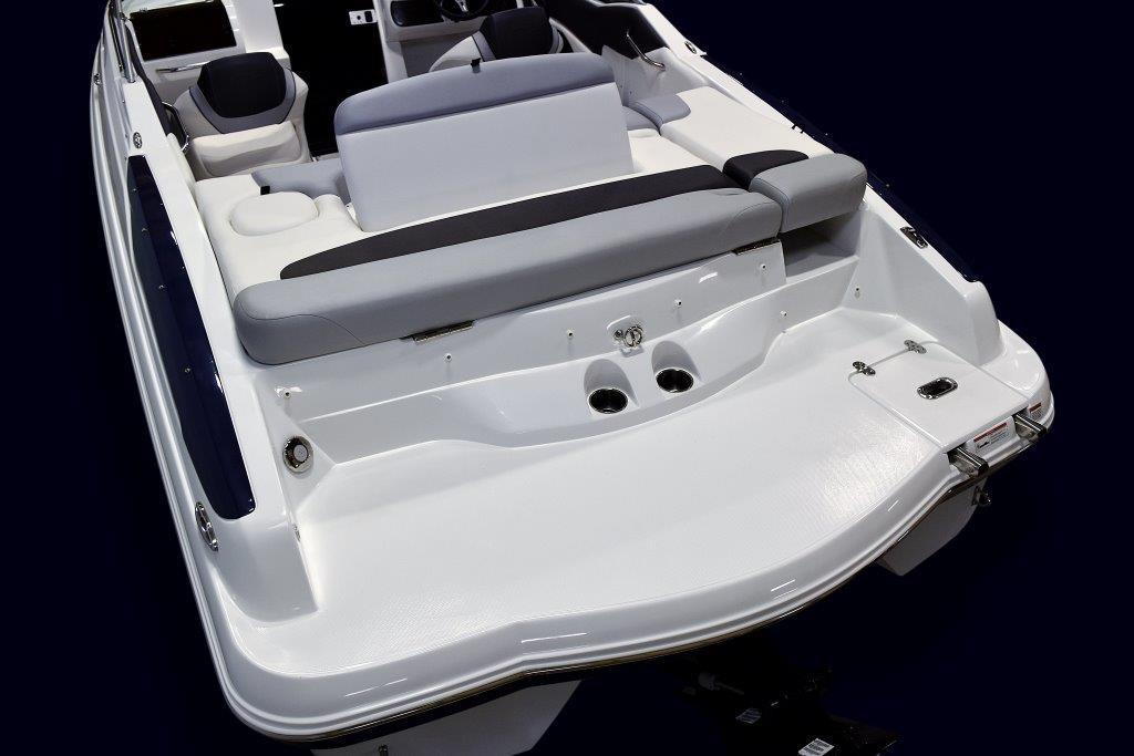 2019 Rinker 23QX CC in Lewisville, Texas - Photo 10