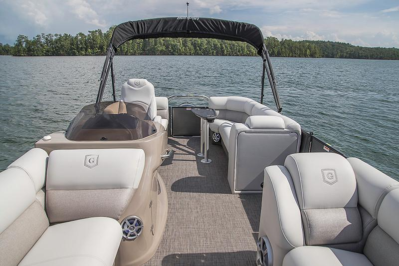 2018 Sanpan 2500 SB in Bridgeport, New York