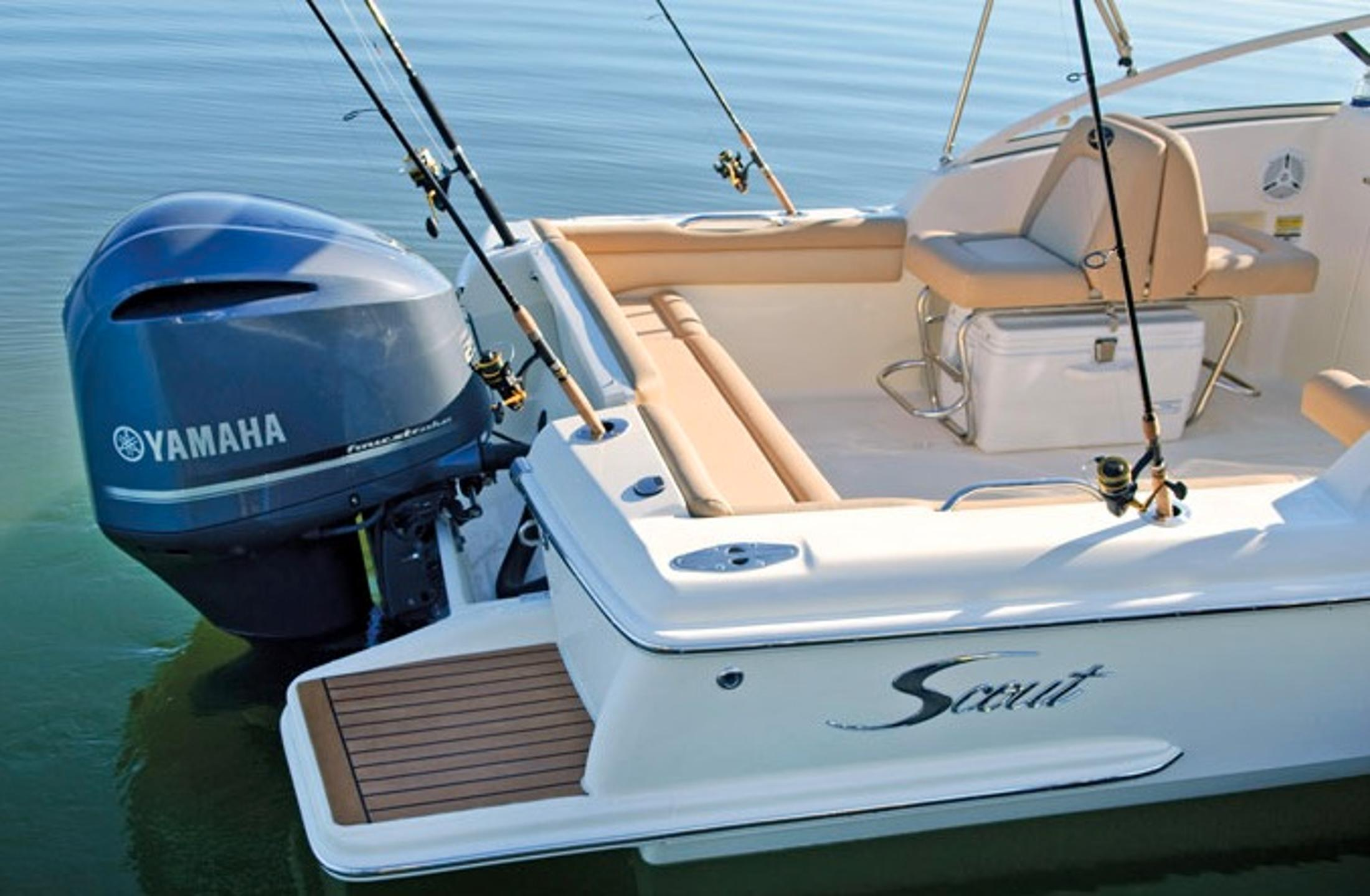 2013 Scout Boats 225 Dorado in Ontario, California