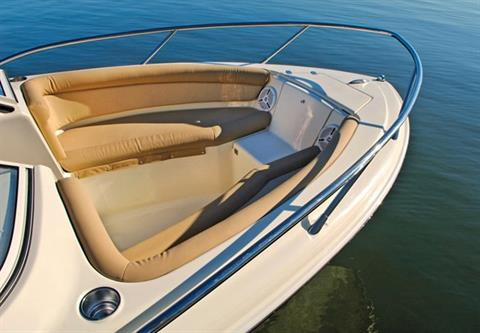 2018 Scout Boats 225 Dorado in Bridgeport, New York