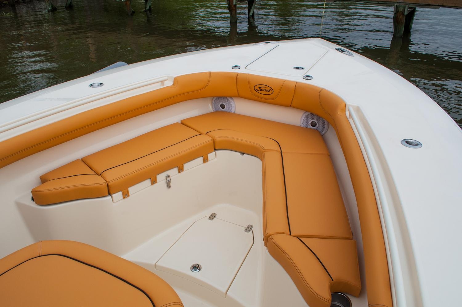 2018 Scout Boats 300 LXF in Ontario, California