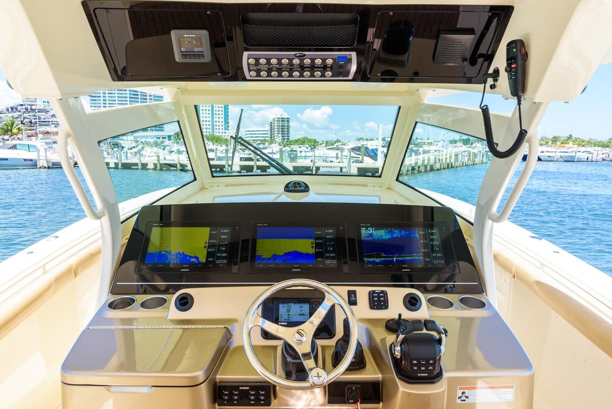 2019 Scout Boats 380 LXF in Bridgeport, New York - Photo 9