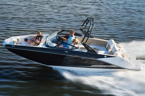 2017 Scarab 215 H.O. Platinum in Hutchinson, Minnesota