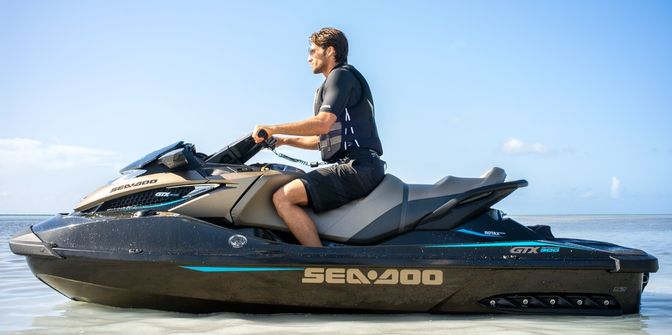 2017 Sea-Doo GTX Limited 300 in Clinton Township, Michigan