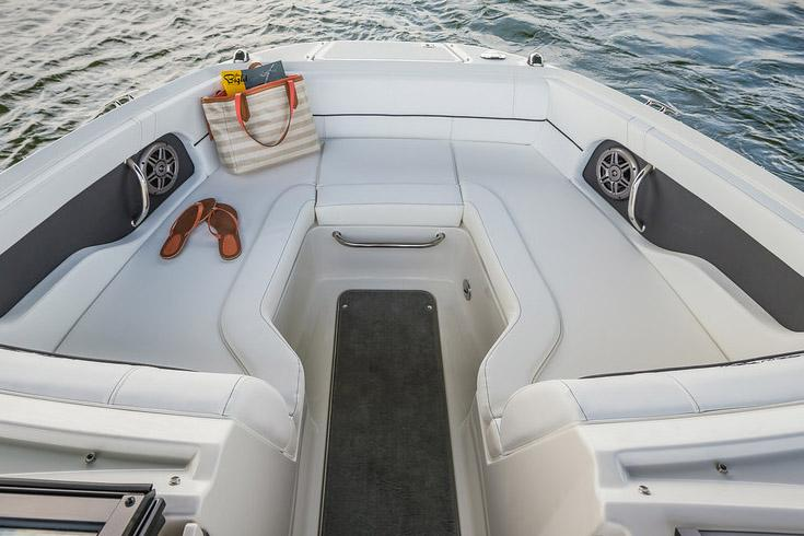 2015 Sea Ray 220 Sundeck in Madisonville, Louisiana