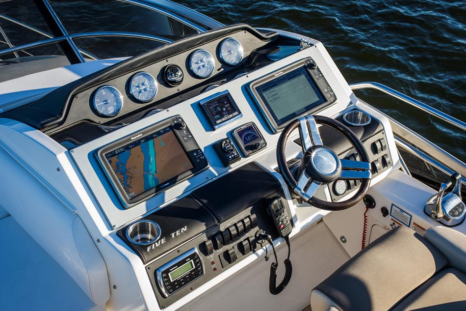 2017 Sea Ray Fly 510 in Holiday, Florida