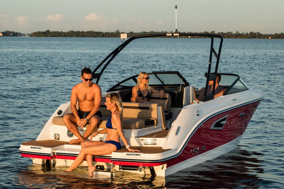 2018 Sea Ray SLX 230 in Holiday, Florida