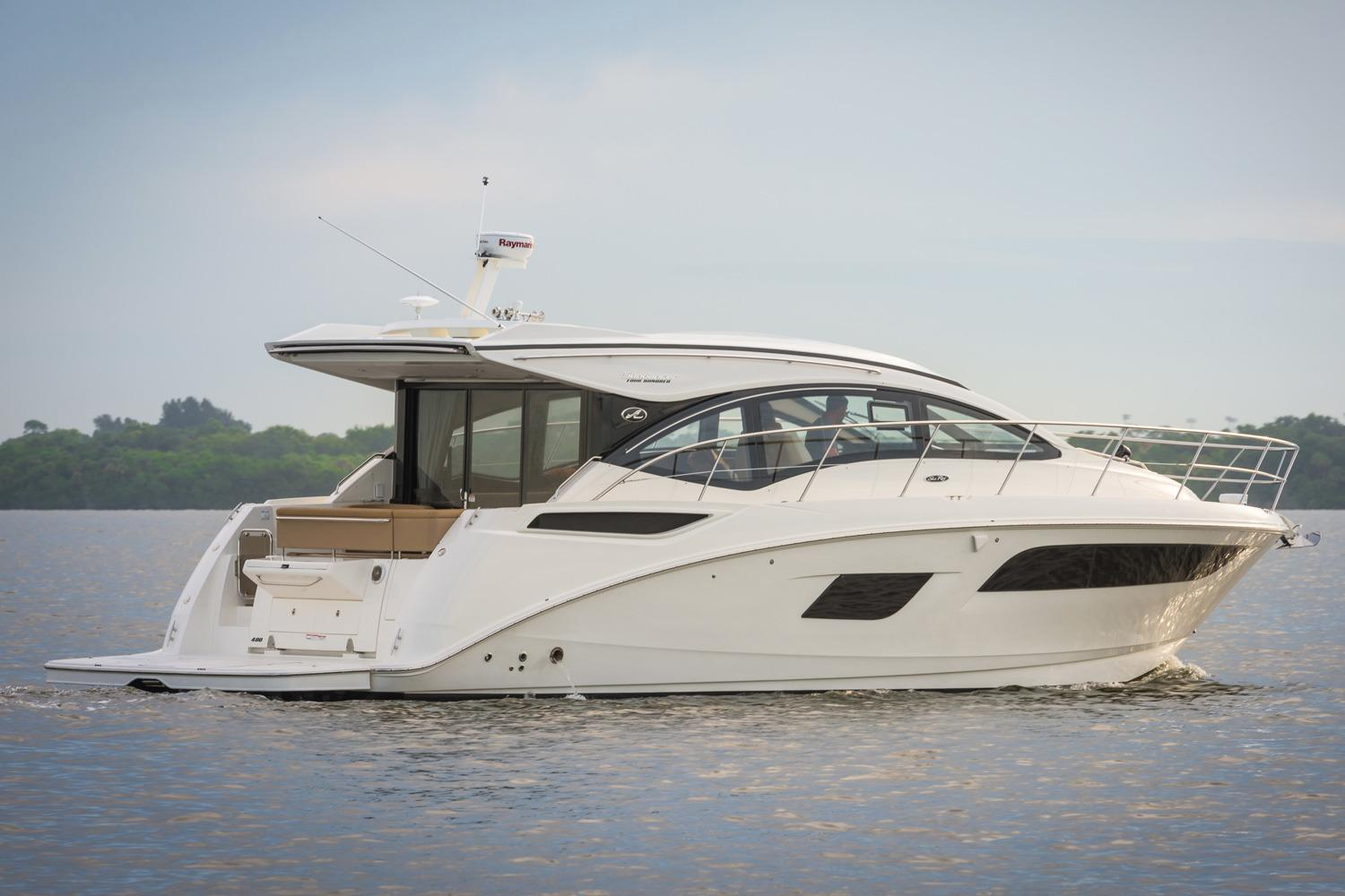 2018 Sea Ray Sundancer 400 in Holiday, Florida
