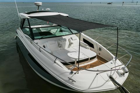 2018 Sea Ray Sundancer 320 OB in Holiday, Florida