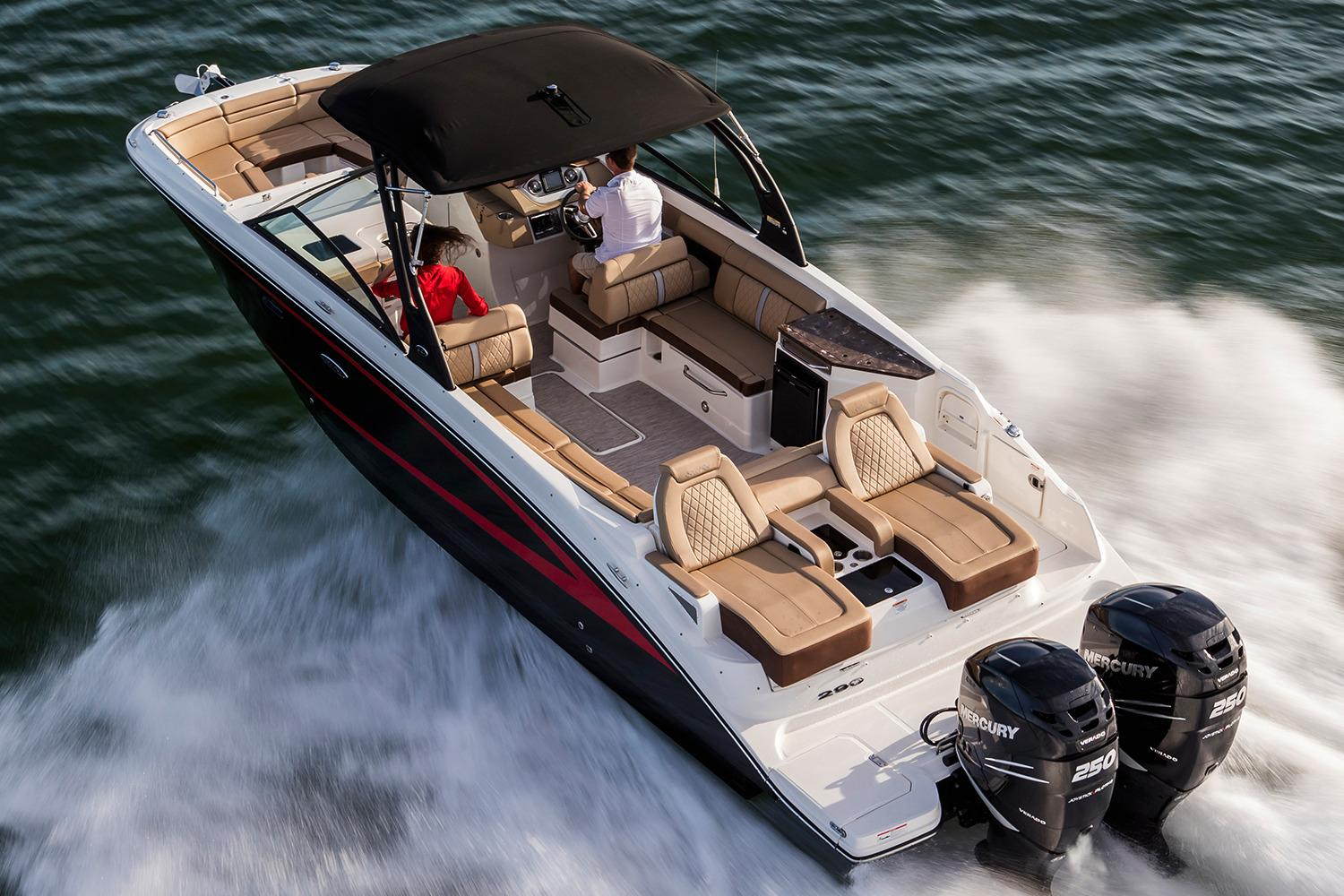 2018 Sea Ray SDX 290 Outboard in Holiday, Florida