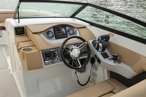 2018 Sea Ray SDX 290 Outboard in Holiday, Florida - Photo 7