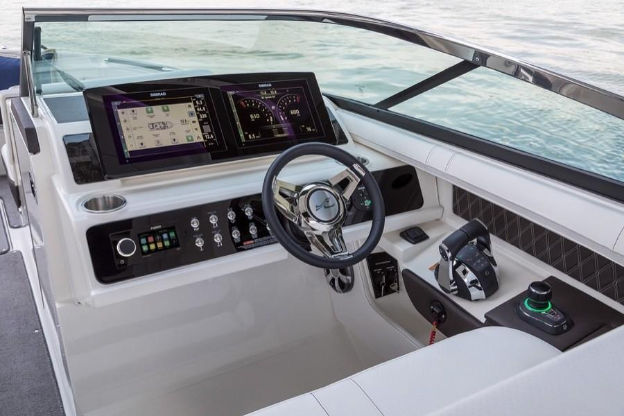 2019 Sea Ray SLX 310 in Holiday, Florida - Photo 6