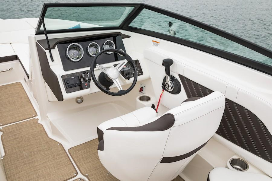 2019 Sea Ray SPX 230 in Holiday, Florida - Photo 6