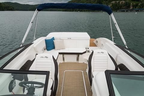 2019 Sea Ray SPX 230 in Holiday, Florida - Photo 9