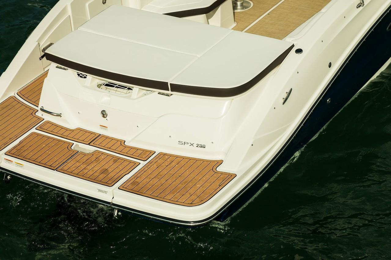 2019 Sea Ray SPX 230 in Holiday, Florida - Photo 11