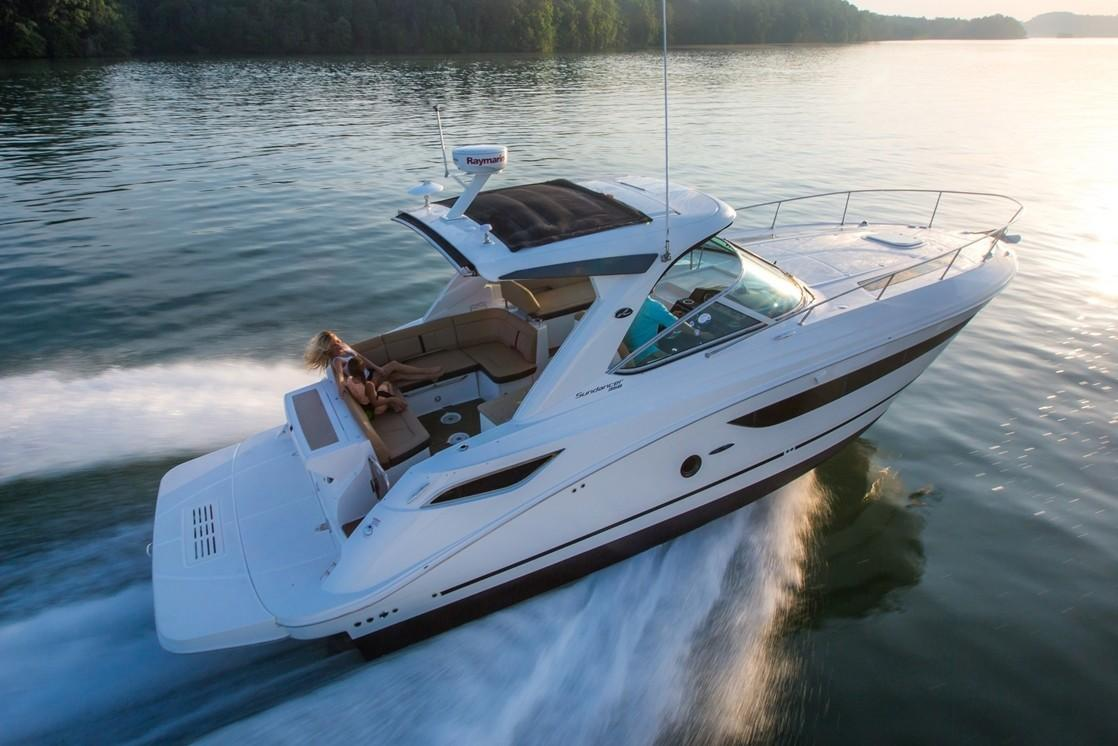 2019 Sea Ray Sundancer 350 in Holiday, Florida - Photo 2