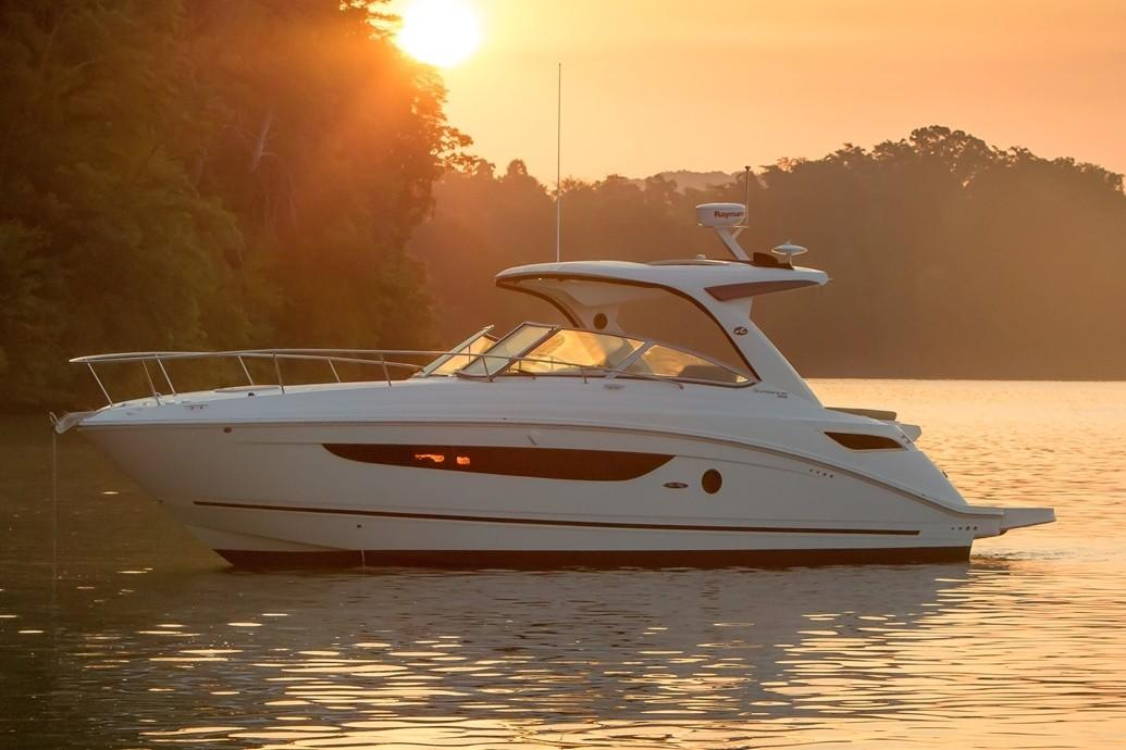 2019 Sea Ray Sundancer 350 in Holiday, Florida - Photo 4