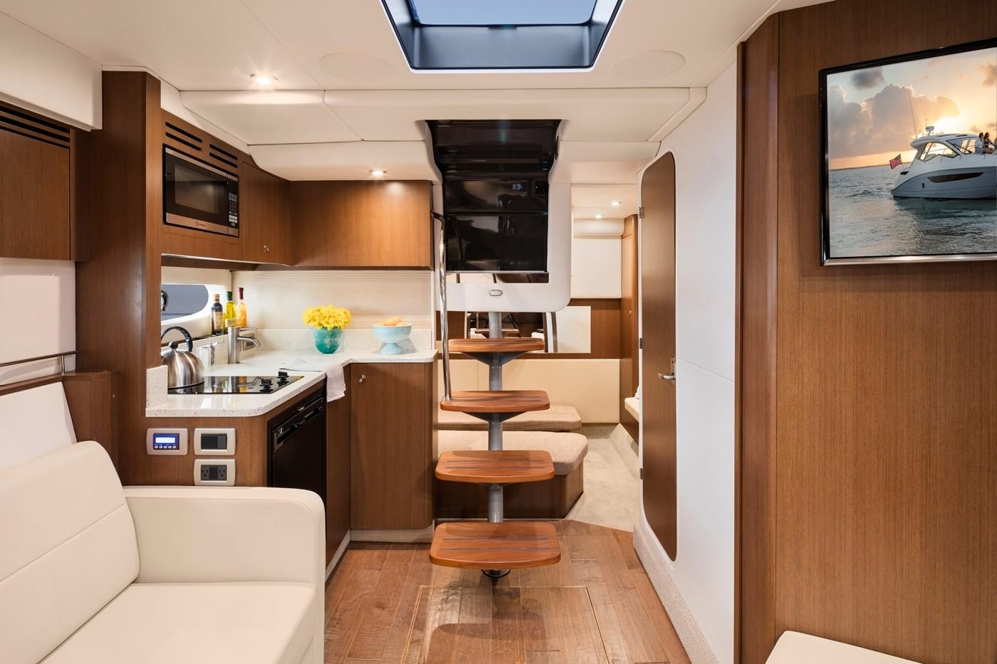 2019 Sea Ray Sundancer 350 in Holiday, Florida - Photo 12