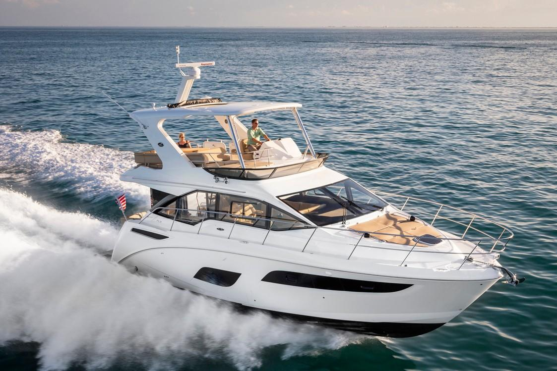 2019 Sea Ray Fly 460 in Holiday, Florida - Photo 2