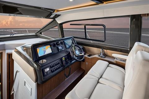 2019 Sea Ray Fly 460 in Holiday, Florida - Photo 8