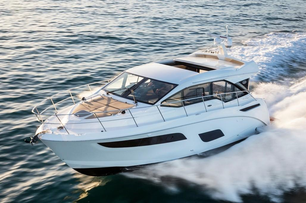 2019 Sea Ray Sundancer 460 in Holiday, Florida - Photo 2
