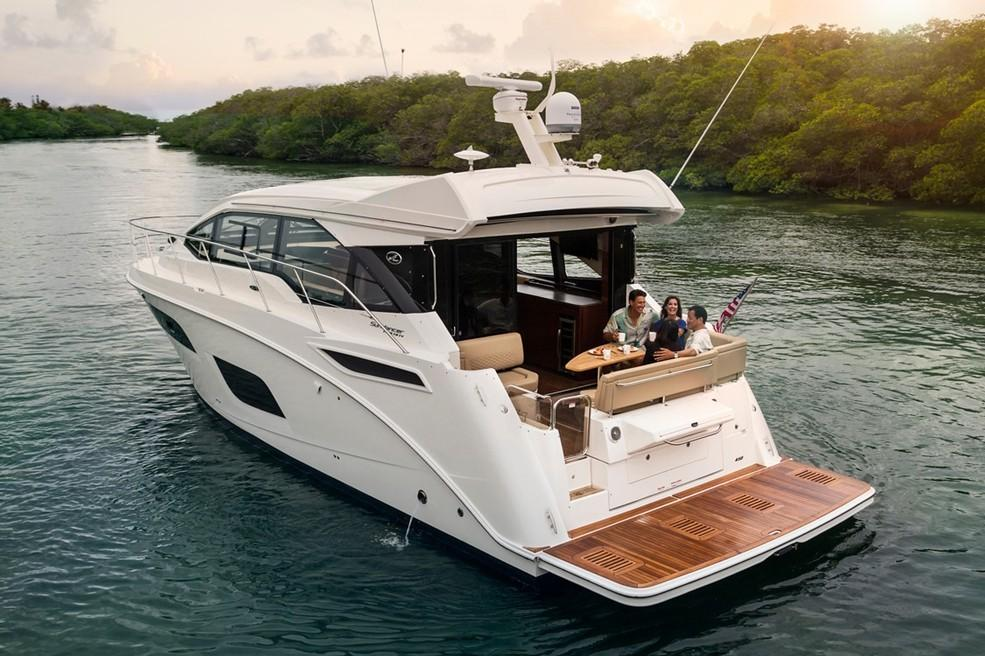 2019 Sea Ray Sundancer 460 in Holiday, Florida - Photo 6