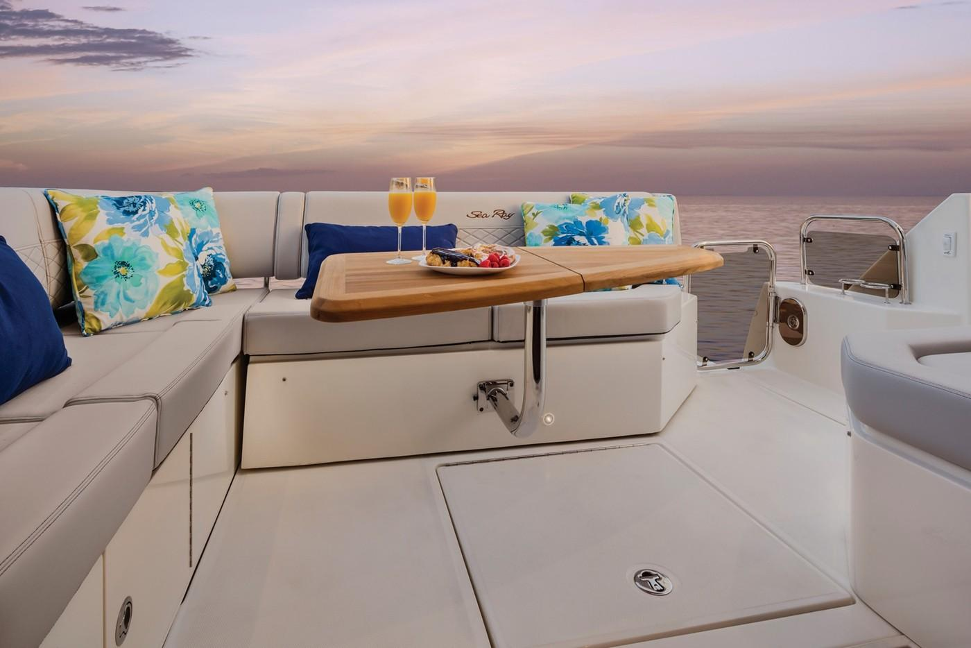 2019 Sea Ray Sundancer 460 in Holiday, Florida - Photo 7