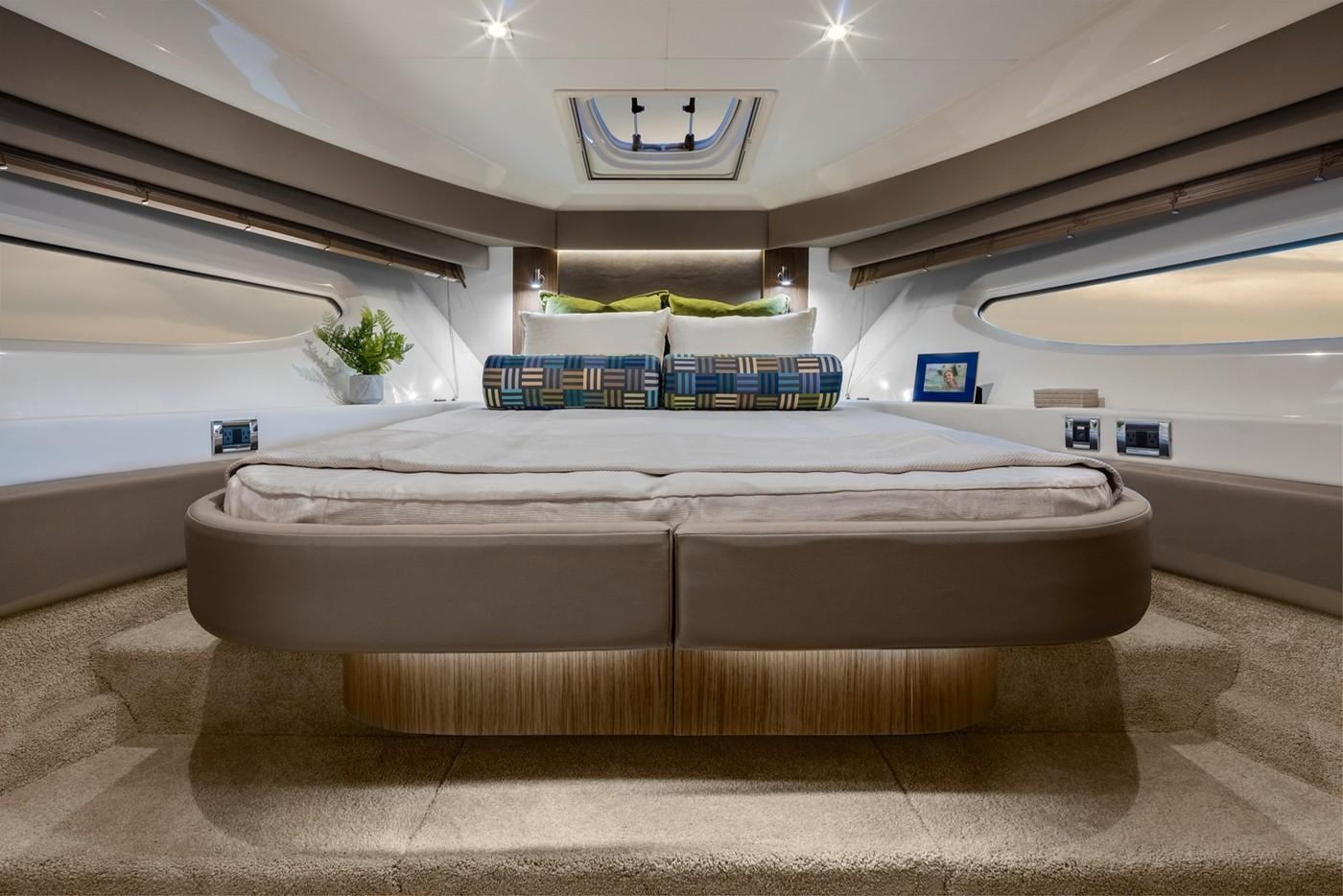 2019 Sea Ray Sundancer 460 in Holiday, Florida - Photo 12