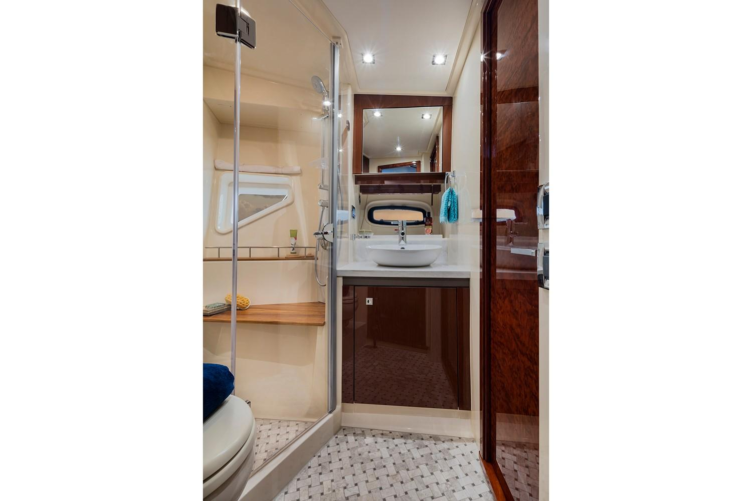 2019 Sea Ray Sundancer 510 in Holiday, Florida - Photo 12