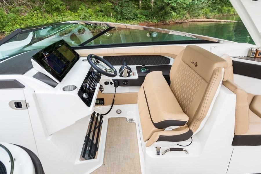 2019 Sea Ray SLX 310 OB in Holiday, Florida