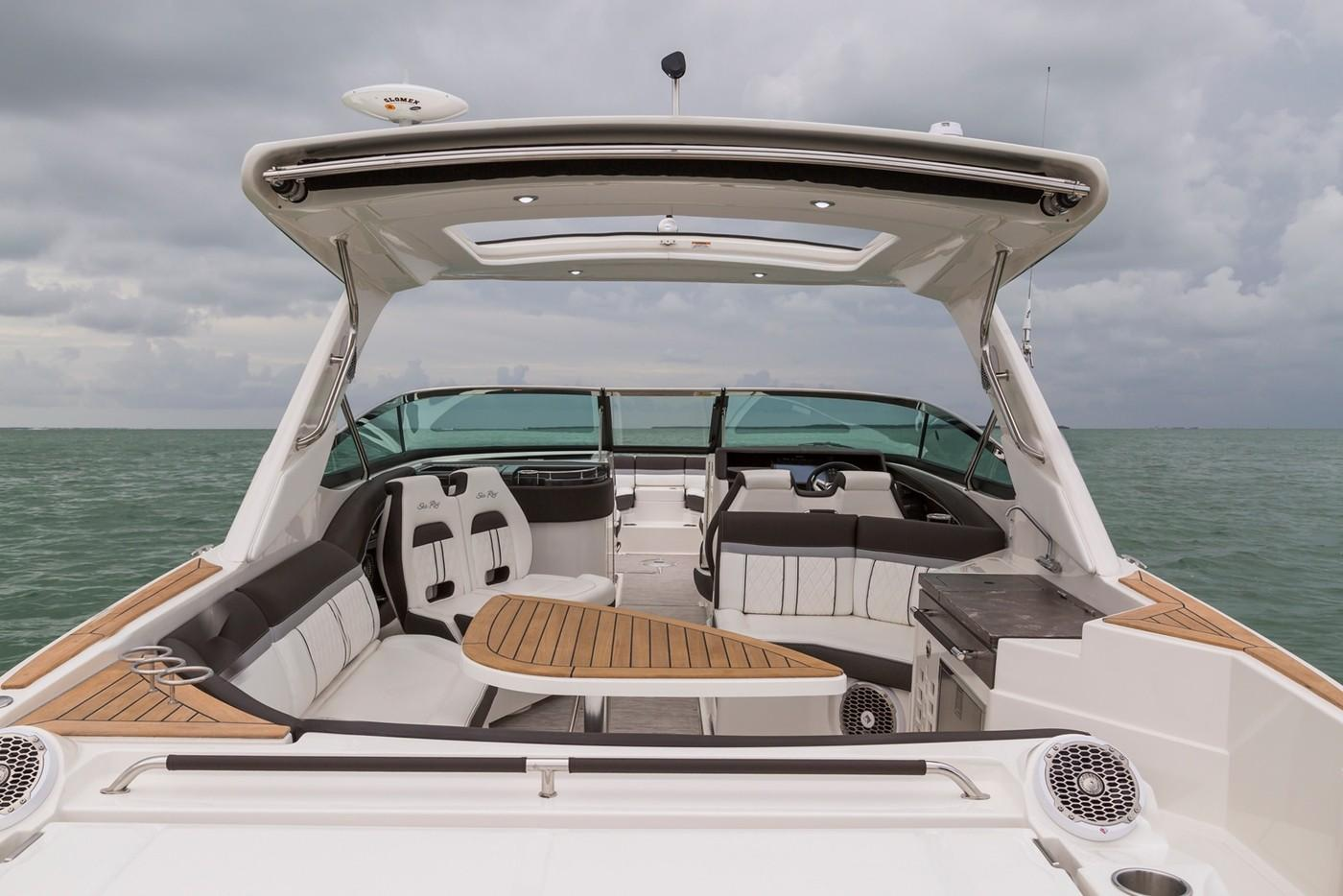 2019 Sea Ray SLX 350 OB in Holiday, Florida - Photo 11