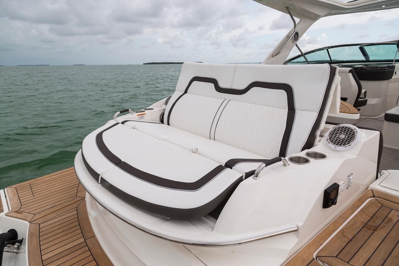 2019 Sea Ray SLX 350 OB in Holiday, Florida - Photo 14