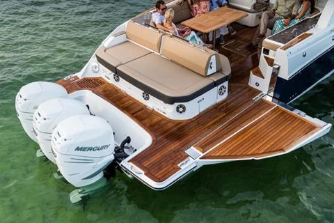 2019 Sea Ray SLX 400 OB in Holiday, Florida