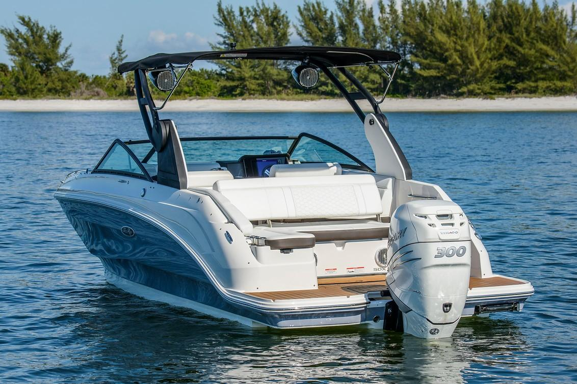 2019 Sea Ray SDX 250 Outboard in Holiday, Florida - Photo 5