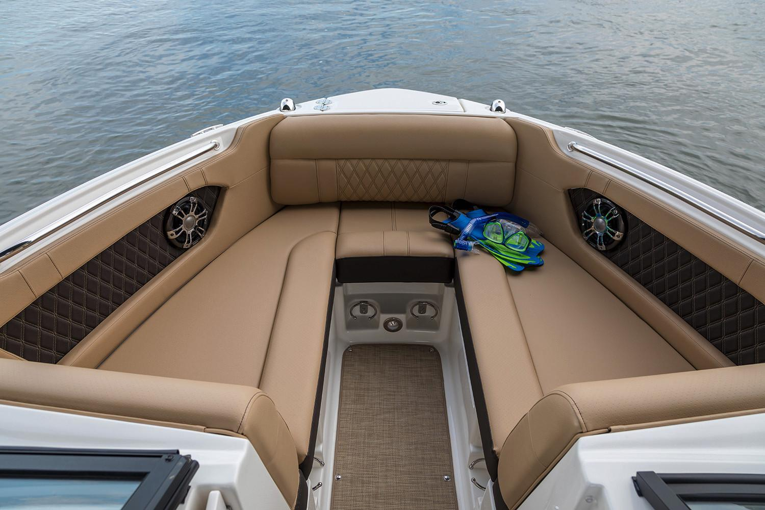 2020 Sea Ray SLX 230 in Holiday, Florida - Photo 5