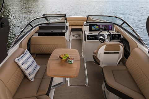 2020 Sea Ray SLX 230 in Holiday, Florida - Photo 6