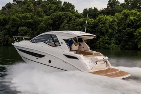 2020 Sea Ray Sundancer 350 Coupe in Holiday, Florida - Photo 3