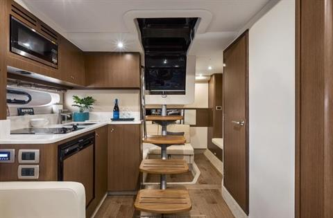 2020 Sea Ray Sundancer 350 Coupe in Holiday, Florida - Photo 15