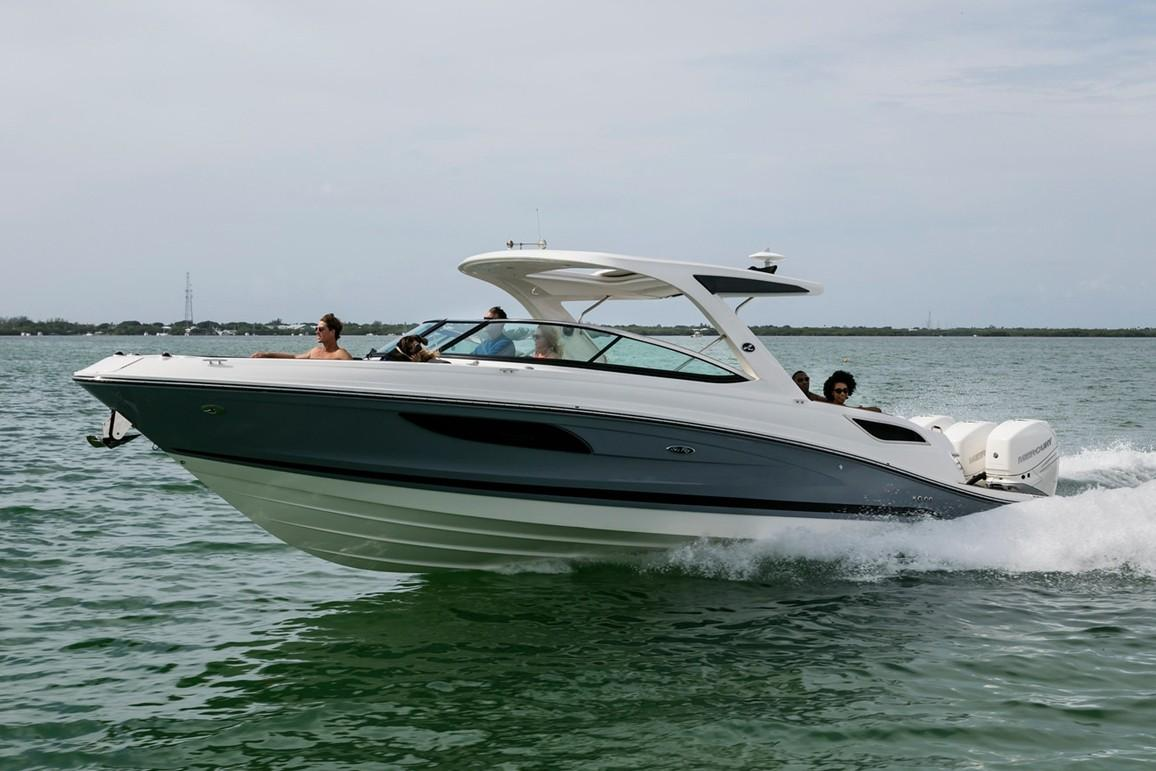 2020 Sea Ray SLX 350 OB in Holiday, Florida - Photo 2