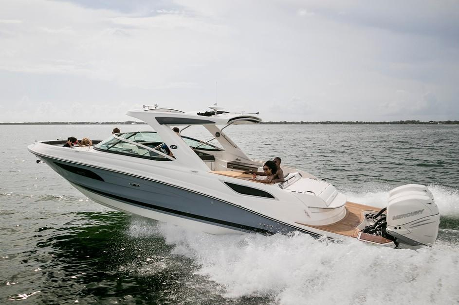 2020 Sea Ray SLX 350 OB in Holiday, Florida - Photo 3